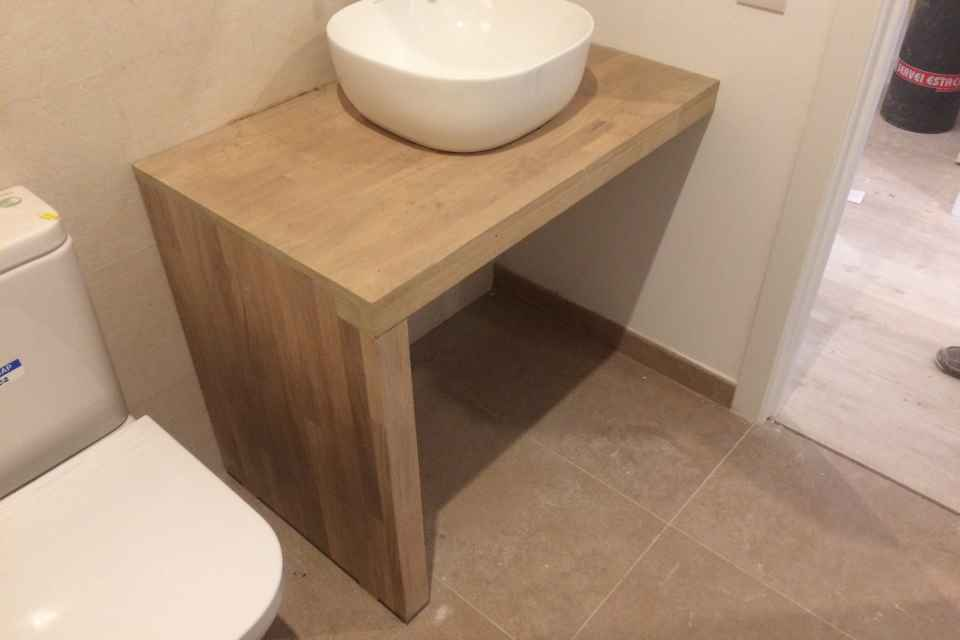 Sobres y laterales baños.jpg